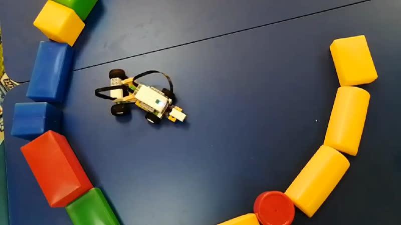 Робот выходит из тупика