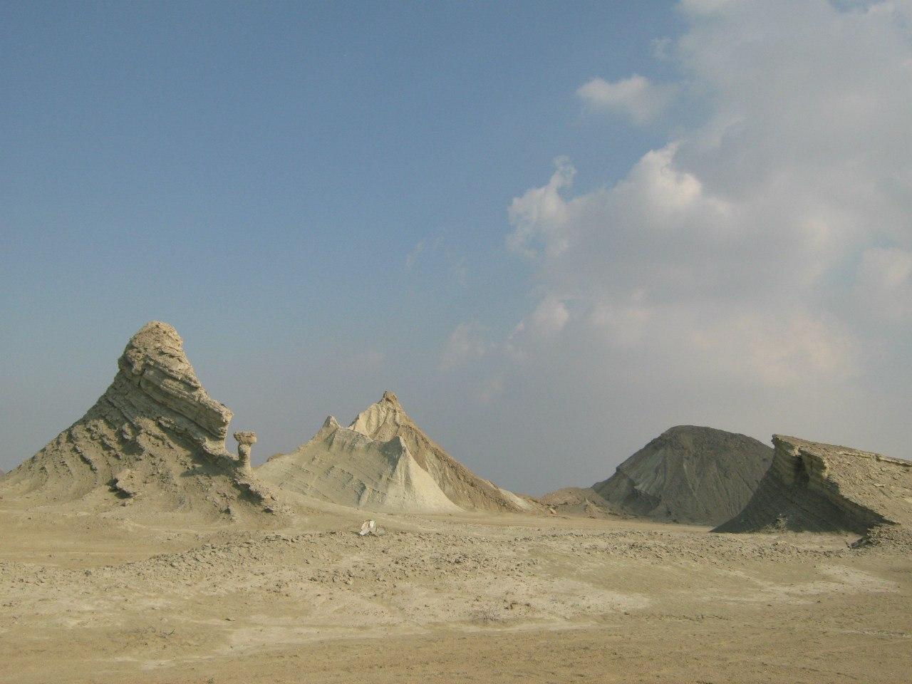 Геологические образования близ Лафт на Кешм