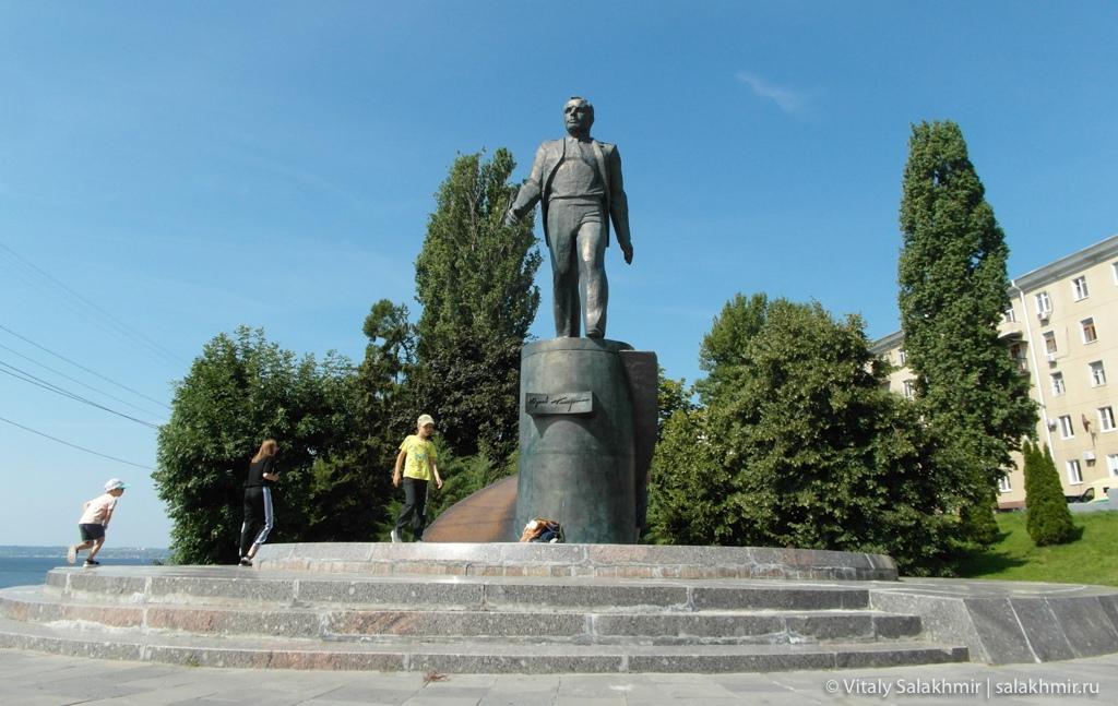 Памятник Гагарину, Саратов 2020