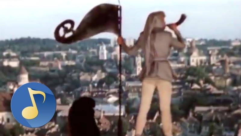 Бьют часы на старой башне песня из фильма Приключения Электроника 1979