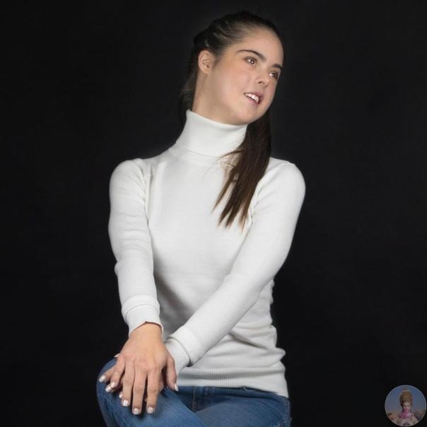 Испанская модель с синдромом Дауна Мариан Авила