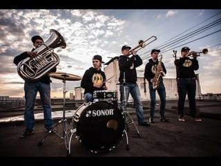 Ленинград — Рыба COVER (уличные музыканты Brevis Brass Band)