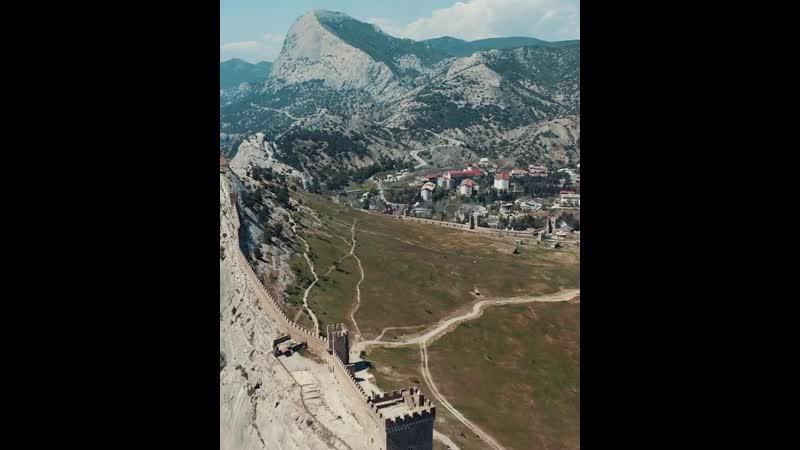 Генуэзская крепость artemronin