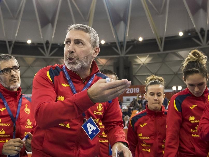ЧМ-2019. Теория малых шагов. Как Карлос Вивер пишет новую историю сборной Испании, изображение №1