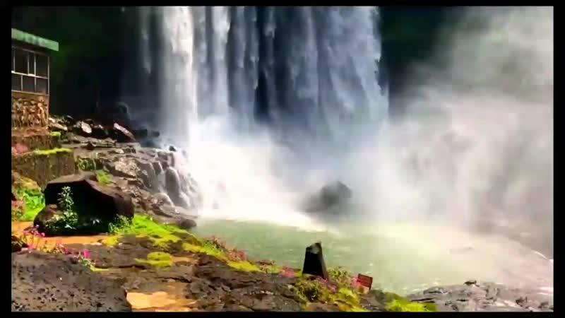 Водопад в Баолоке mp4