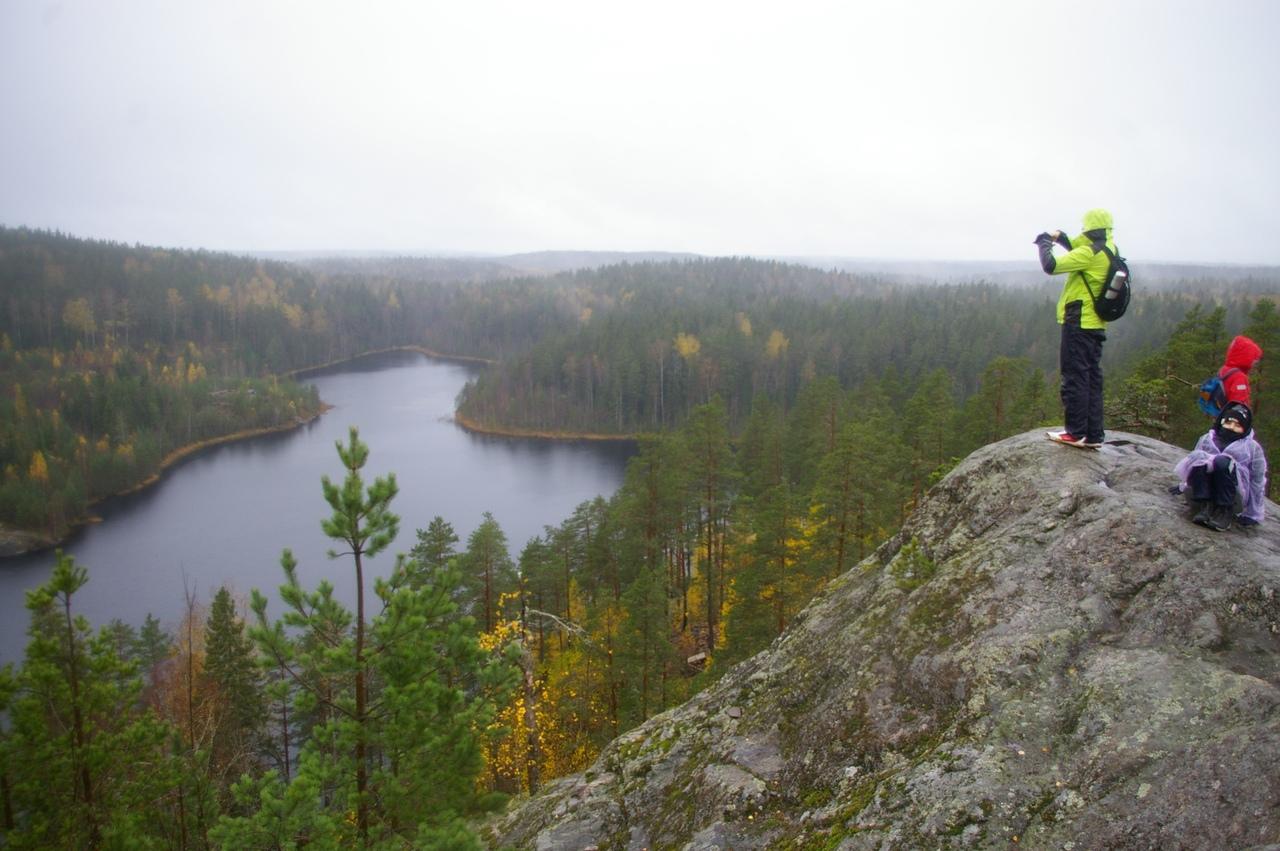 Скалы Треугольного озера. Волшебный край Ленинградской области
