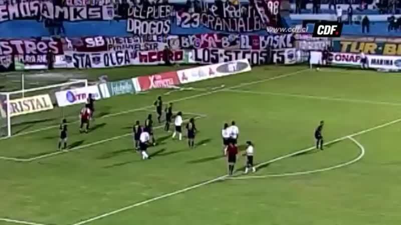 Сумасшедший гол защитника Коло Коло Мигеля Рамиреса в ворота Эвертона Винья дель Мар Чемпионат Чили Клаусура 2004 г