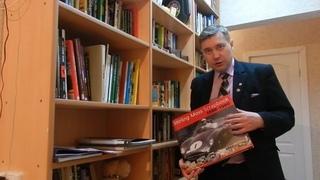 Видеоблог №10 () - О своей библиотеке и особо ценных книгах