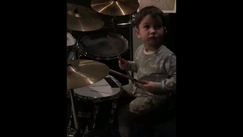 Видео Барабанщик Даня - 2 года Red Hot Chili Peppers - Californication drum cover смотреть онлайн