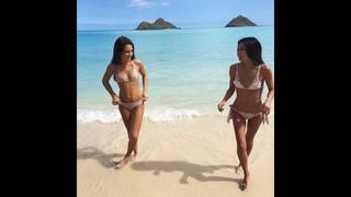 Девушки в бикини под лучами солнца! Полуголые красотки зажигают в купальниках в пляжных декорациях!