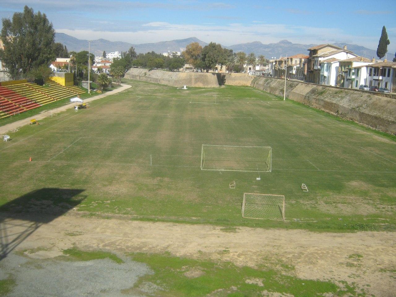 стадион у буферный зоны в Лефкоша