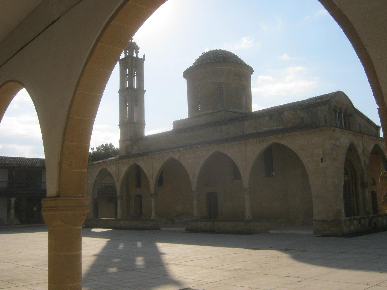монастырь греческий в Гюзельюрт (Морфу)