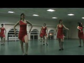 красные платья)