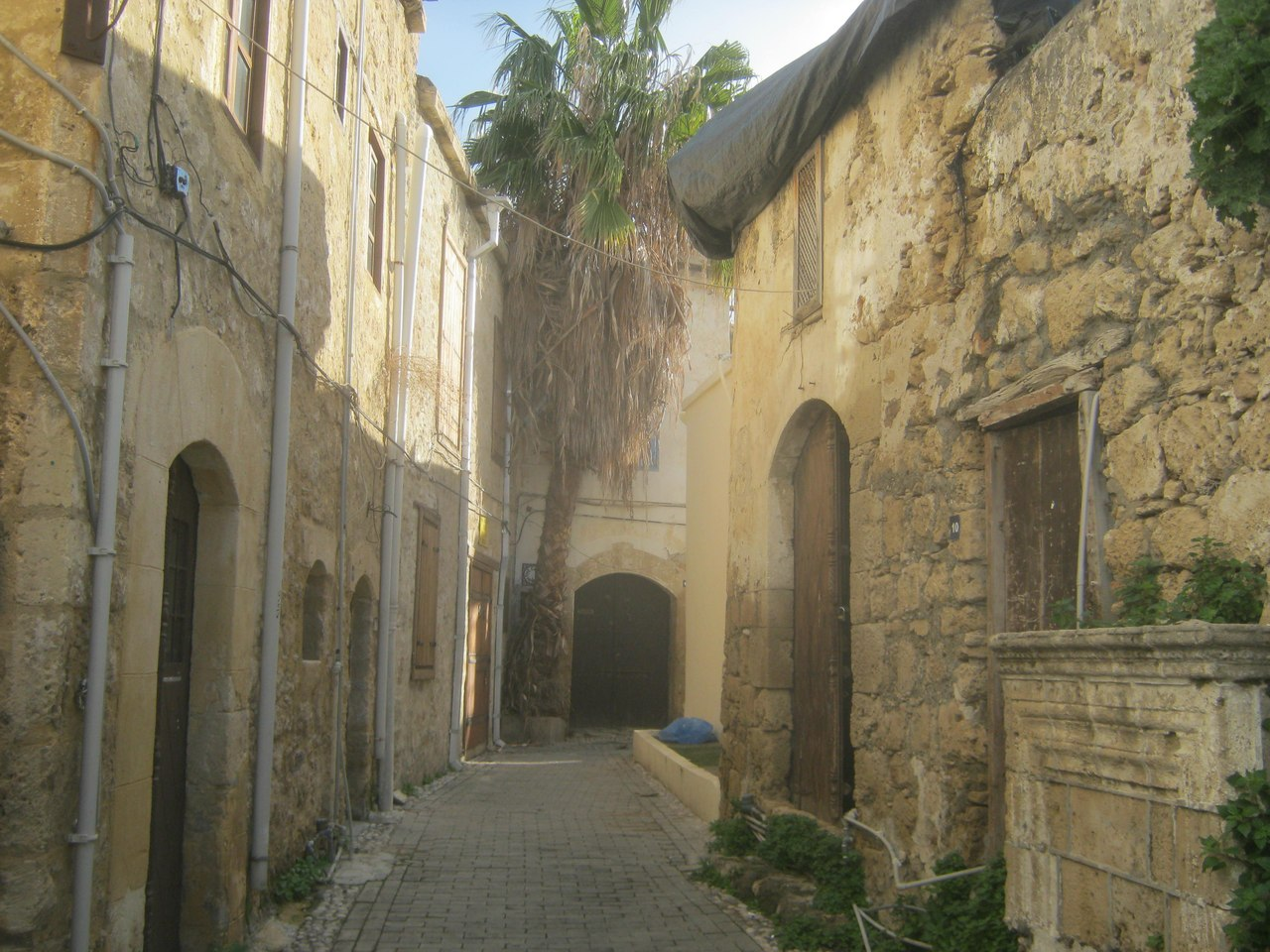 Старые греческие дома на северном Кипре