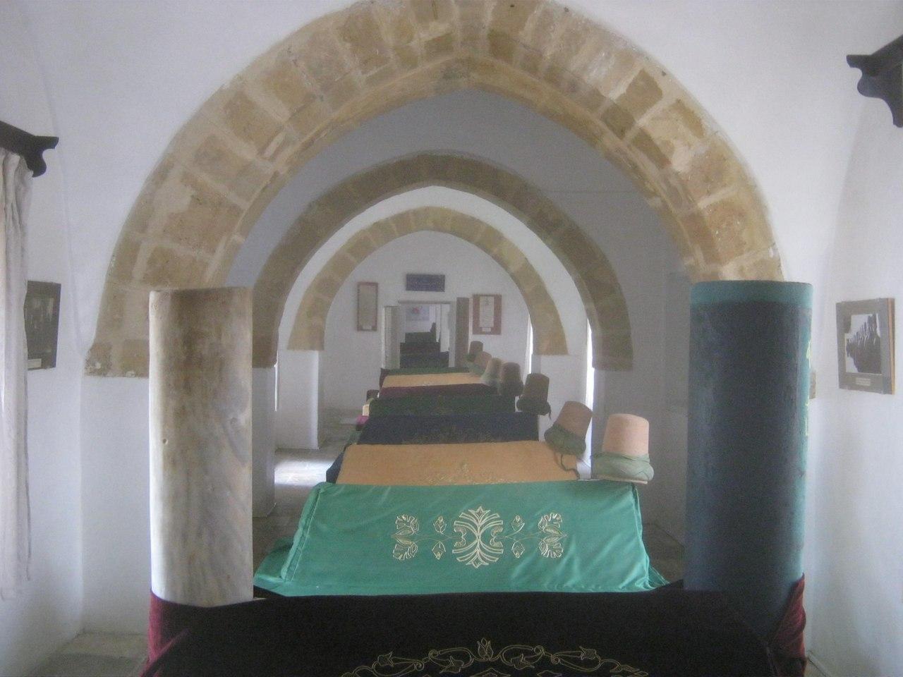 В Лефкоша общий мавзолей сподвижников Мевланы