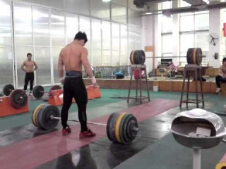 Tian Tao 215kg Clean and Jerk Attempt