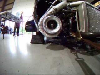 Big Daddy's 2000+ л. с. Twin Turbo Mustang на Dyno в BDP