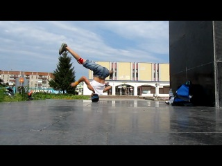 Open air headspin practice. uncut....