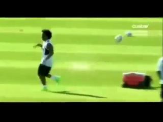 Марсело учит Роналду и Озила делать супер финт