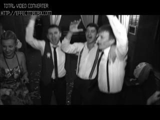 Шалене гангстерське весілля) 13 липня 2013 року