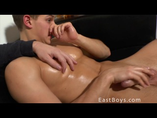 ♻ [eastboys.com] pierre muscle worship and jerk-off (720p/2014)