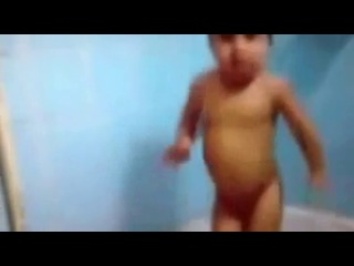 Супер 4 летный Таджик классно танцует!