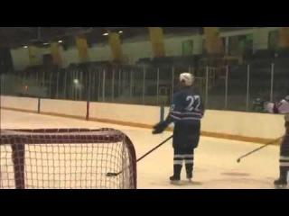 Самый мощный удар в истории хоккея
