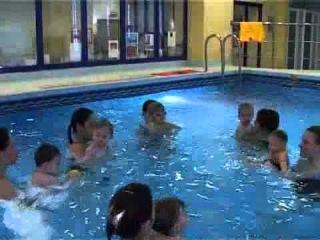 Уроки плавания. Часть 4. Уточки и пчелки