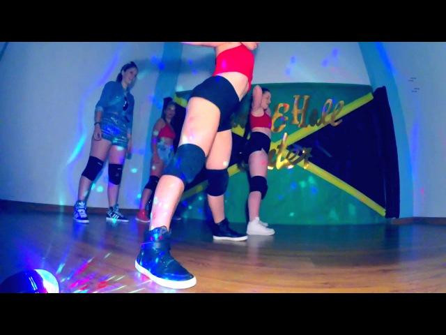 Fin de curso Dance Hall Center Twerking Booty Dance Classes Madrid con Irie Queen