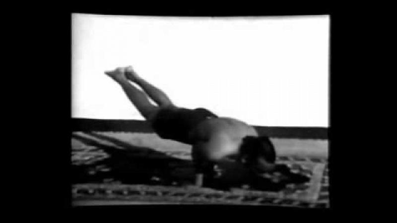 Кришнамачарья и Б.К.С. Айенгар в 1938 под пение Йога-Сутр, Часть 3 из 6