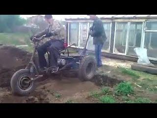 Самодельный трехколесный трактор из Муравья
