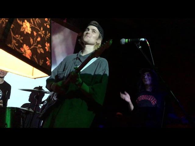 DIIV attempt Blue Boredom live (Providence 11-3-16)