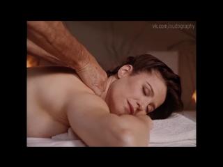 Hot Elizabeth Barondes Naked Images