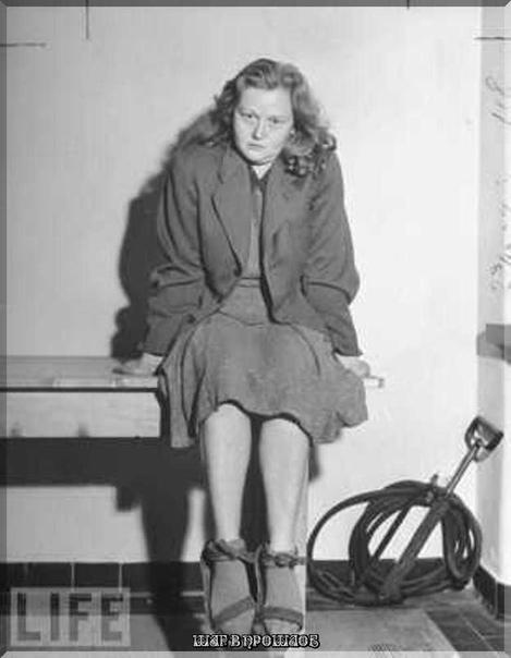 Илза Кох Известная как Бухенвальдская ведьма из-за своей садистской жестокости к заключенным, Илза Кох была замужем за другим злым нацистом Крлом Отто Кохом, но превзошла его в бесчеловечном