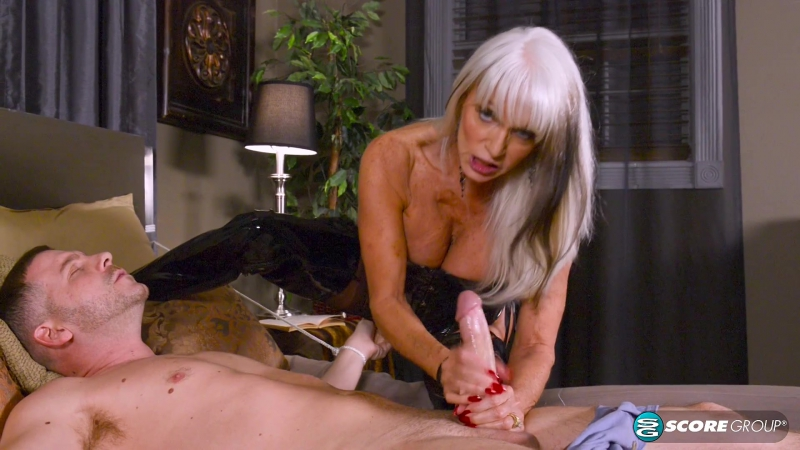 Sally D`Angelo - Bound for anal