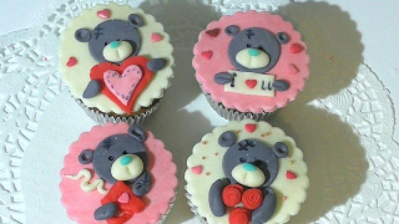 Украшение капкейков Капкейки с мишкой Тедди Как украсить капкейки на День св Валенти