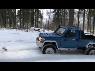 Rc scale winter run by Toyota Land Cruiser 70