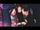 [Фанкам] 171204 Джексон со своей мамой @ Первый мини-фанмитинг Джексона в ТРЦ APM в Гонконге