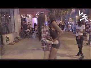 #лесбийская игра поцелуи #lezbiyen öpüşme cezalı oyun   türkçe altyazı