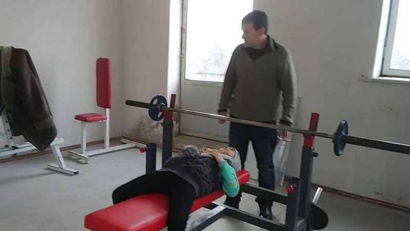 4 01 СК ТИТАН с Красногрка и Адамовская Света 11 лет вес 27 5 жим 25 кг