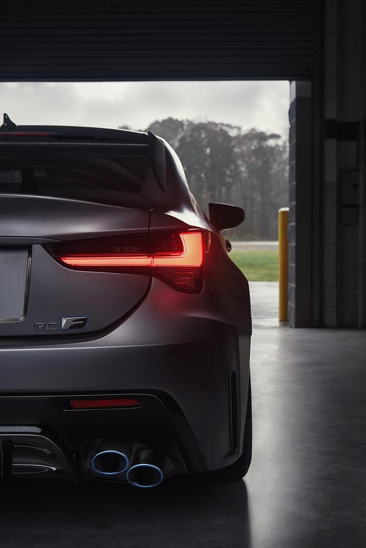 Обновленный Lexus RC F и трековая версия из карбона, изображение №12
