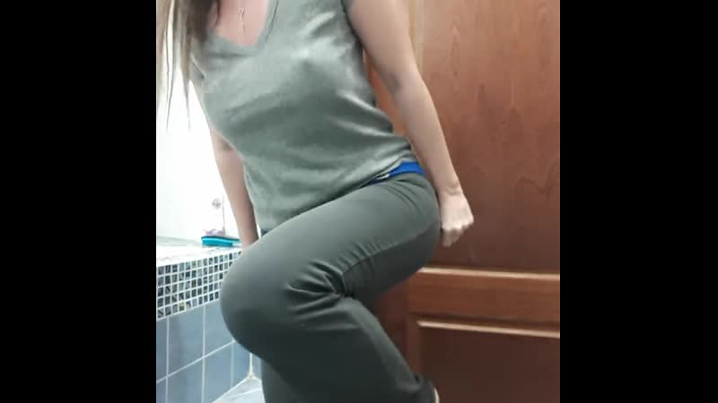 Pee Desperation in Yoga Pants ending up Big Puddle on the Floor
