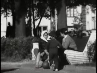 """Кадры из документального фильма: """"мой город пермь"""" 1967 год."""