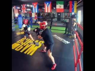Жесткий мальчик Никита, который готовится покорить мировой бокс