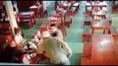Policial reage no restaurante ladrão leva uma surra dos clientes