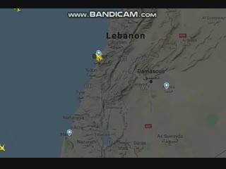 Гражданские самолёты в момент атаки израильских истребителей
