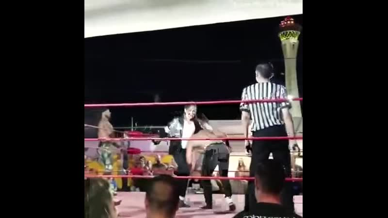 Professional wrestling Moonwalk
