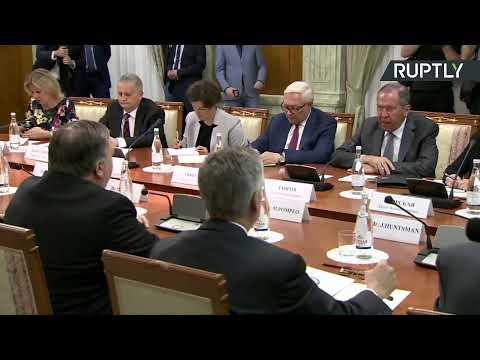 Глава МИД России Сергей Лавров и государственный секретарь США Майк Помпео проводят переговоры в Сочи