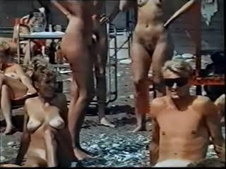 Юлия Меньшова Голая - 1991 Действуй, Маня