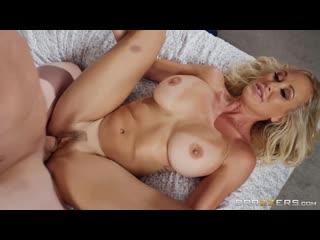 Игривая зрелая мама трахнула молодого, sex milf mature mom young old son boy porn tit ass busty cum pussy wet hd (hot&horny)